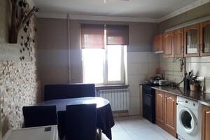 Продается 3-комнатная квартира 70 кв. м в Херсоне