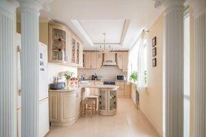 Продается 3-комнатная квартира 130 кв. м в Киеве