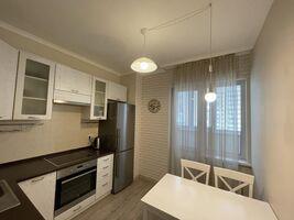 Продается 1-комнатная квартира 35 кв. м в Вышгороде