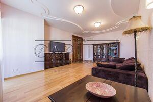 Сдается в аренду 4-комнатная квартира 168 кв. м в Киеве