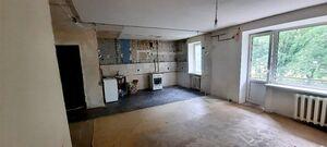 Продается 4-комнатная квартира 90 кв. м в Кременчуге