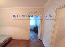 Продається 3-кімнатна квартира 52 кв. м у Херсоні