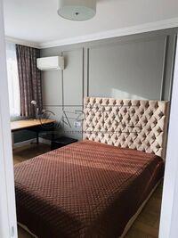 Сдается в аренду 1-комнатная квартира 53 кв. м в Киеве