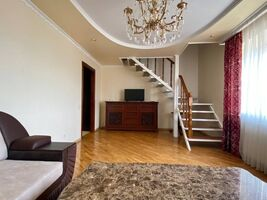 Продается 3-комнатная квартира 86.6 кв. м в Тернополе