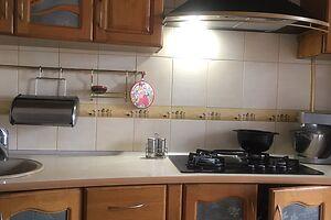 Продается 3-комнатная квартира 90 кв. м в Черновцах
