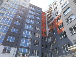 Продається 2-кімнатна квартира 75 кв. м у Чернівцях
