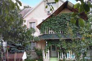 Продається будинок 3 поверховий 335 кв. м с басейном