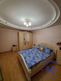 Продається 4-кімнатна квартира 128 кв. м у Херсоні