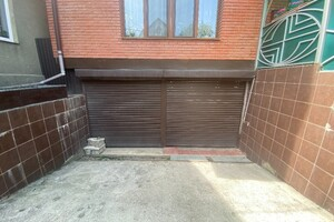 Продається окремий гараж універсальний на 69.9 кв. м