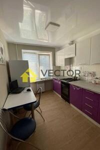 Продається 2-кімнатна квартира 53 кв. м у Полтаві