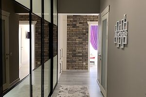 Продается 4-комнатная квартира 106 кв. м в Черновцах