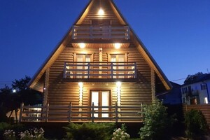Продается дом на 3 этажа 140 кв. м с бассейном