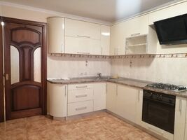 Здається в оренду 2-кімнатна квартира 68 кв. м у Тернополі
