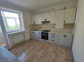 Продается 3-комнатная квартира 100 кв. м в Черновцах