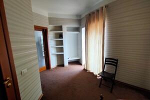 Продается дом на 3 этажа 330 кв. м с мансардой