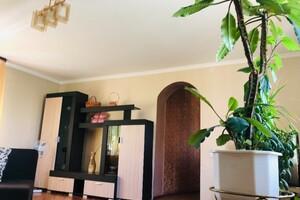 Продается дом на 3 этажа 150 кв. м с бассейном