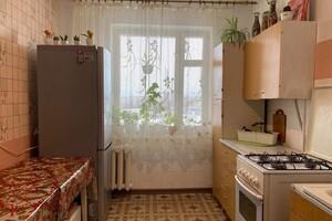 Продается 4-комнатная квартира 83 кв. м в Ровно