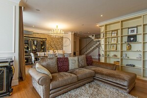 Продается 6-комнатная квартира 381 кв. м в Киеве