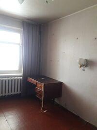 Продается 3-комнатная квартира 67 кв. м в Полтаве