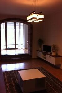 Продается 1-комнатная квартира 103 кв. м в Полтаве
