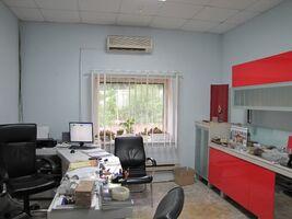 Продається будівля / комплекс 2200 кв. м в 1-поверховій будівлі