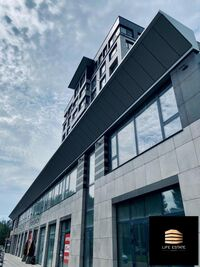 Продається 2-кімнатна квартира 84 кв. м у Херсоні