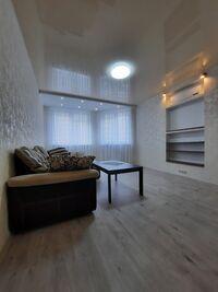 Продается 2-комнатная квартира 73 кв. м в Киеве