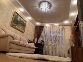 Продается 3-комнатная квартира 72 кв. м в Полтаве