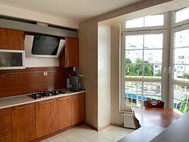 Сдается в аренду 3-комнатная квартира 120 кв. м в Львове