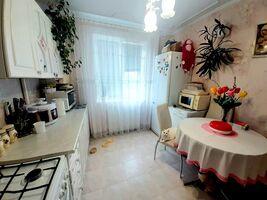 Продається 4-кімнатна квартира 86.2 кв. м у Тернополі