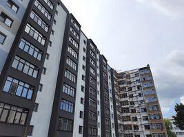 Продается 2-комнатная квартира 69.2 кв. м в Ивано-Франковске