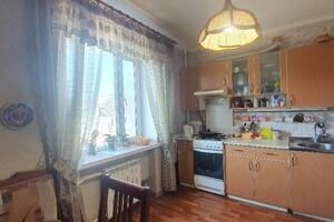 Продается 4-комнатная квартира 81 кв. м в Буче