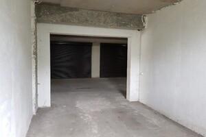 Сдается в аренду бокс в гаражном комплексе под легковое авто на 19.3 кв. м
