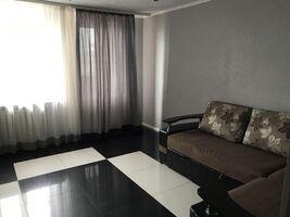 Продається 2-кімнатна квартира 63 кв. м у Полтаві