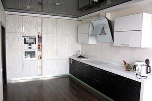 Продается 4-комнатная квартира 195.1 кв. м в Мариуполе