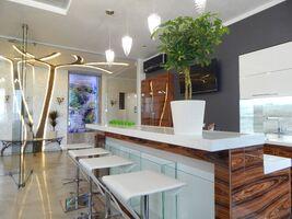 Продается 4-комнатная квартира 200 кв. м в Харькове