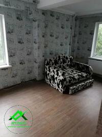 Продається 4-кімнатна квартира 62 кв. м у Херсоні