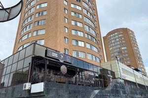 Продается офис 670 кв. м в административном здании