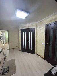 Продается 2-комнатная квартира 64 кв. м в Полтаве