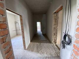 Продается 2-комнатная квартира 70 кв. м в Зборове