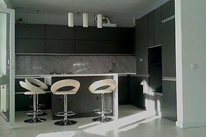 Продается 2-комнатная квартира 71 кв. м в Черновцах