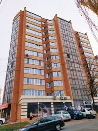 Продается 3-комнатная квартира 117.5 кв. м в Хмельницком