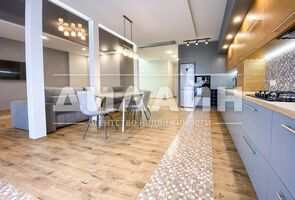 Сдается в аренду 2-комнатная квартира 90 кв. м в Запорожье