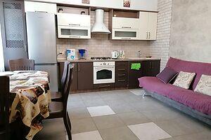 Сдается в аренду 1-комнатная квартира 55 кв. м в Херсоне