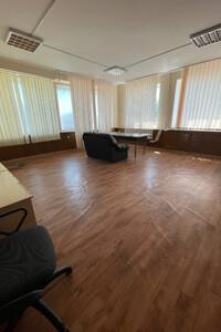 Сдается в аренду офис 107.7 кв. м в торгово-офисном центре