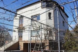 Продається будинок 2 поверховий 290 кв. м з ділянкою
