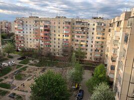 Продається 3-кімнатна квартира 69 кв. м у Херсоні