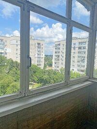 Продается 3-комнатная квартира 70 кв. м в Чернигове