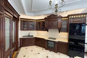 Продається 3-кімнатна квартира 186 кв. м у Києві