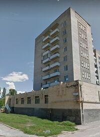 Продається приміщення вільного призначення 407 кв. м в 9-поверховій будівлі